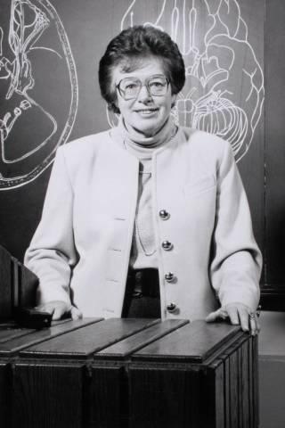 Prof Elizabeth Warrington