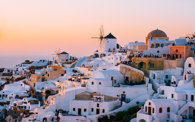 Greek evening course - sunset in Santorini