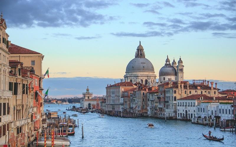 Italian evening course - scene of Venice