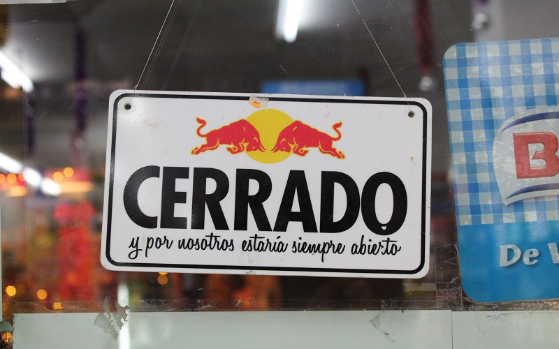 Spanish - closed sign