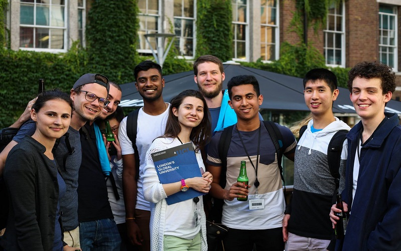 UCL Summer School students