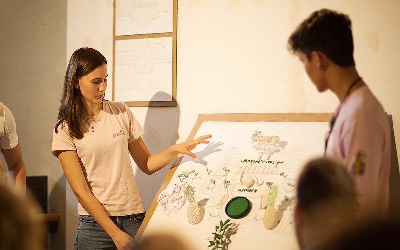 Bartlett students presenting work in studio