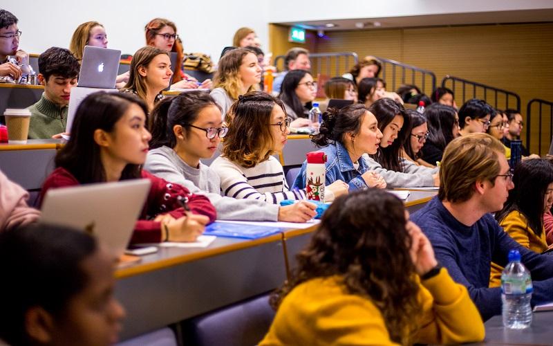 Undergraduate Preparation Certificates international students in a lecture