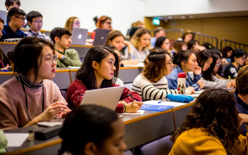 An Undergraduate Preparatory Certificate lecture showing students from all over the world