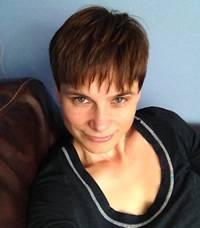 Suzanne Traue