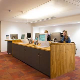 Cruciform Hub, service desk