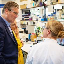 Sir Keir Starmer talks to female scientist