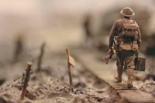first world war solider on the battlefield