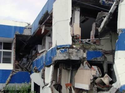 Earthquake damage in Indonesia