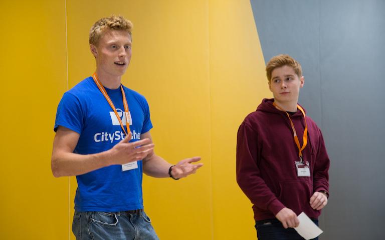 student startup Stasher pitching