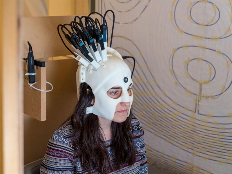 Brain scan helmet
