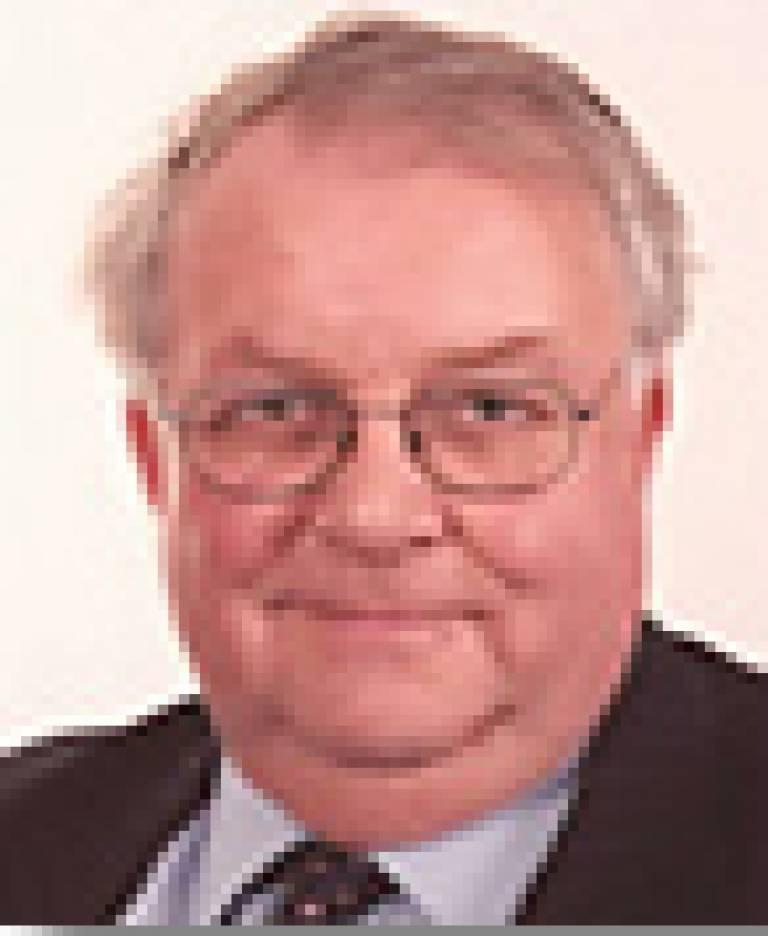 Dr Alisdaire Lockhart