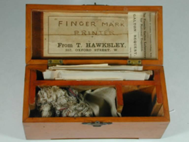 Galton's fingerprint kit