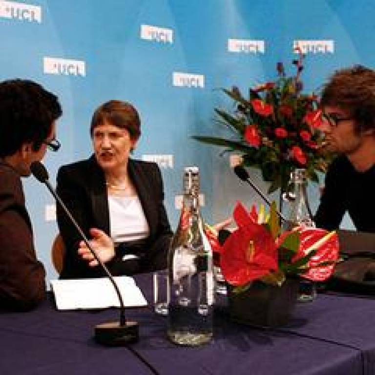 Lancet Lecturer 2010 Helen Clark in discussion with medical students Isaac Ghinai and Martin Everson