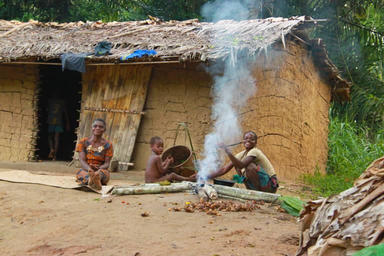 Food sharing among BaYaka