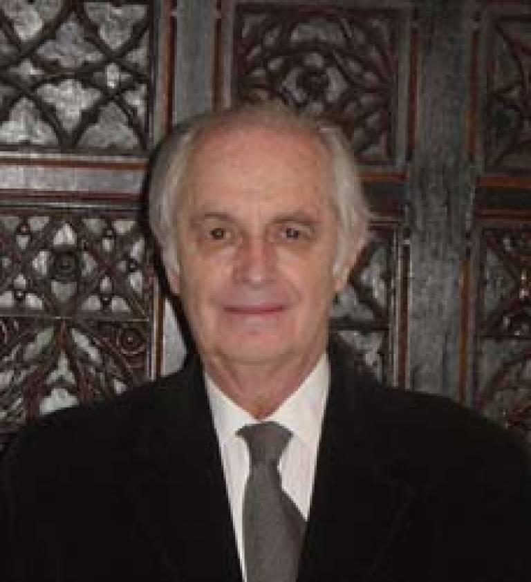 Dr Hernan Sandoval