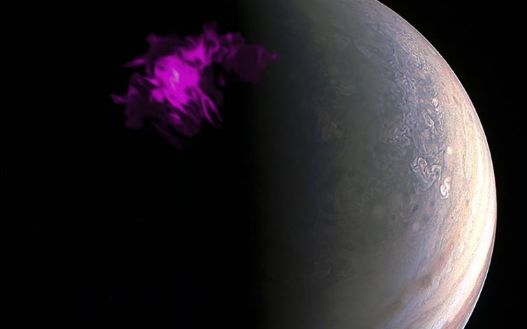 Jupiter with false colour X-ray aurora overlaid