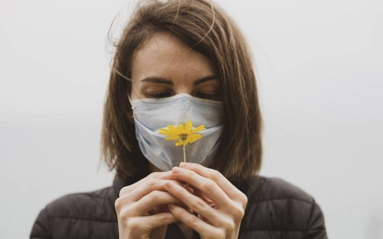 Loss of smell a 'highly reliable' indicator of Covid-19