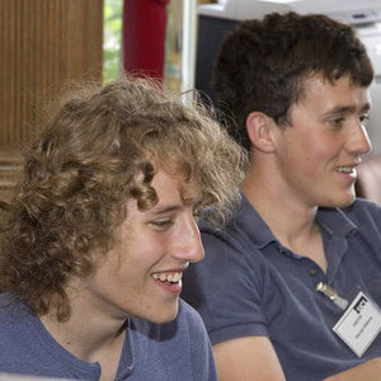 School pupils experience space science at UCL