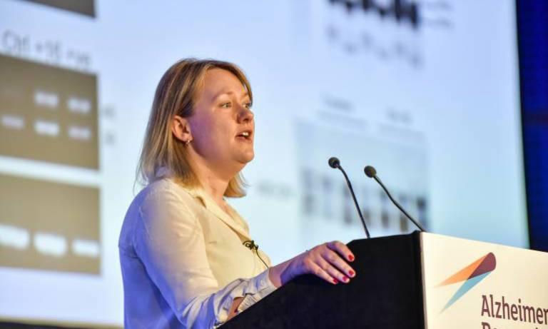 Dr Selina Wray wins prestigious prize at dementia research conference
