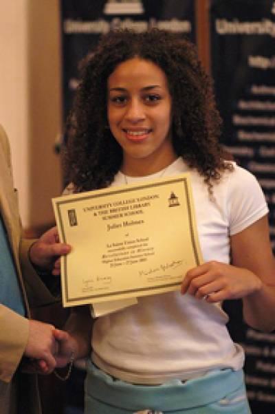 Juliet Holmes receives her summer school certificate