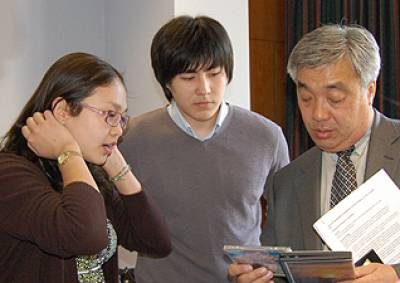 The ambassador meets the students
