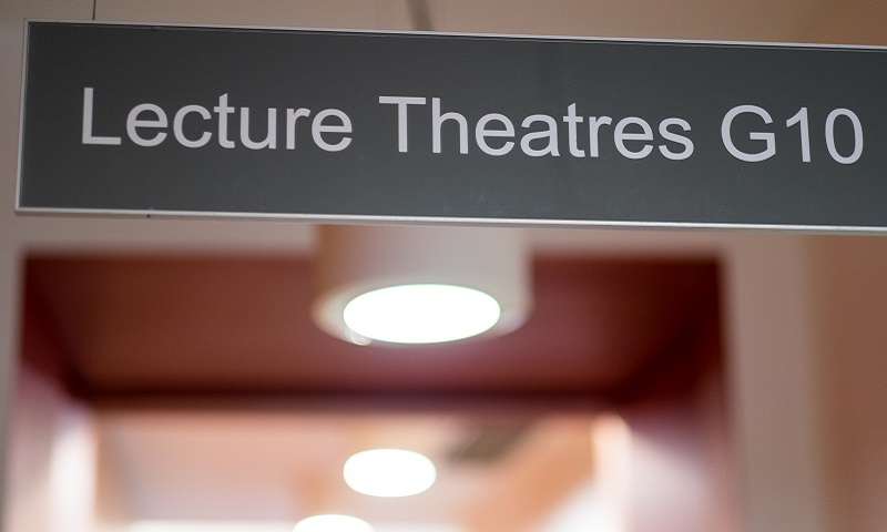 sign to lecture theatre