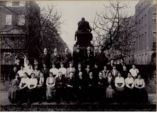 School of Pharmacy Group Photograph 1917-1918