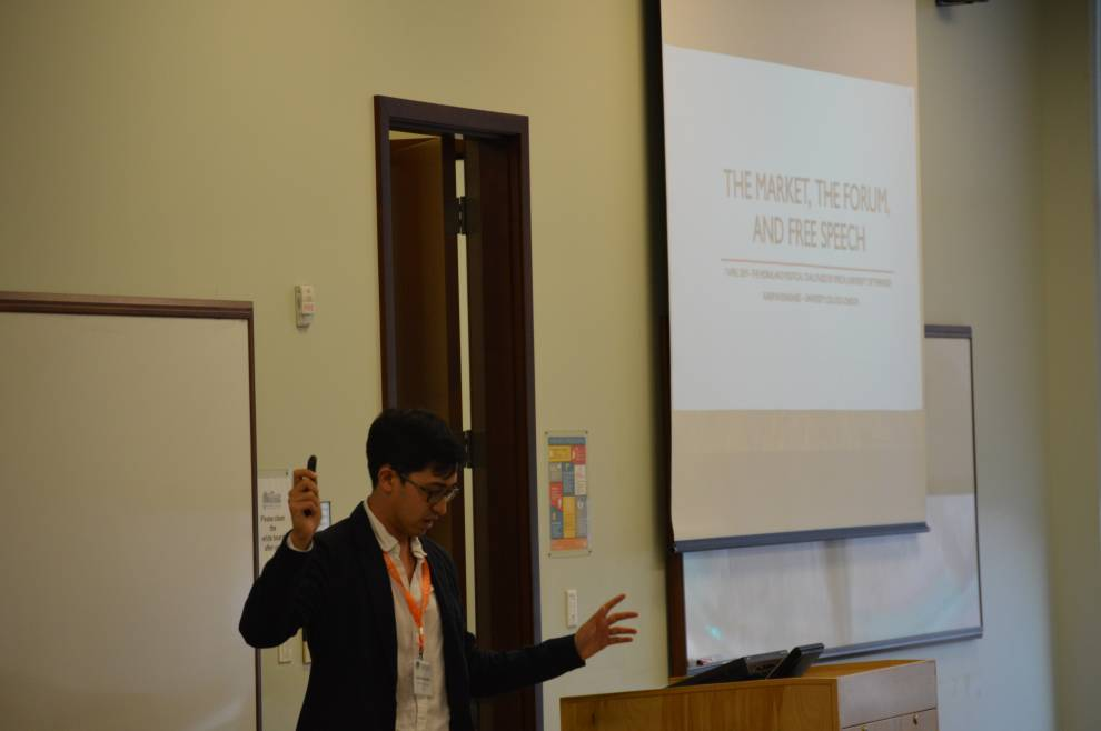 Kasim presenting