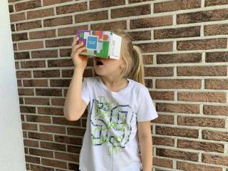 Young girl using Musemio VR