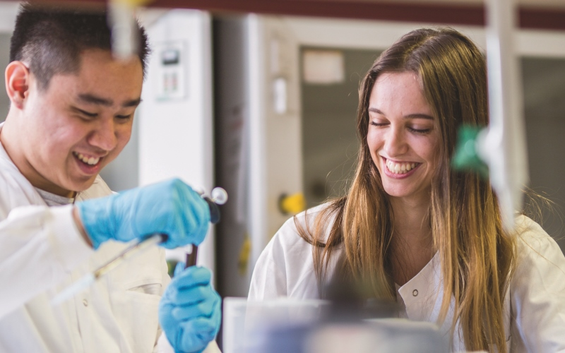 Study Abroad students in laboratory