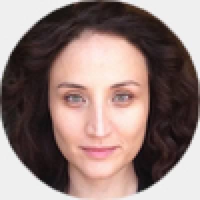 Sarah Amador_Profile-Pic-List
