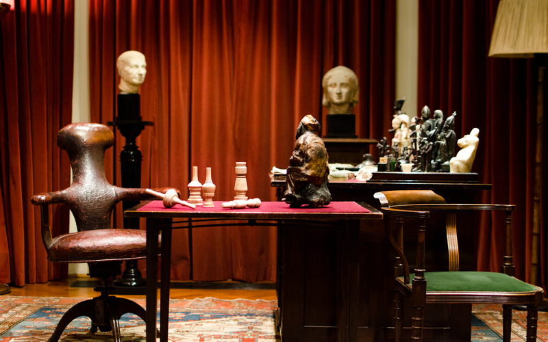 Freud Library with Phantastic objects