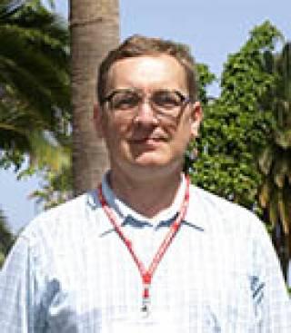 Dr Simon Day