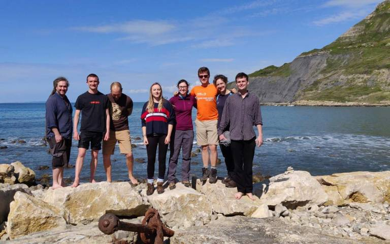 Student landscape group field trip to the Jurassic Coast 800x500