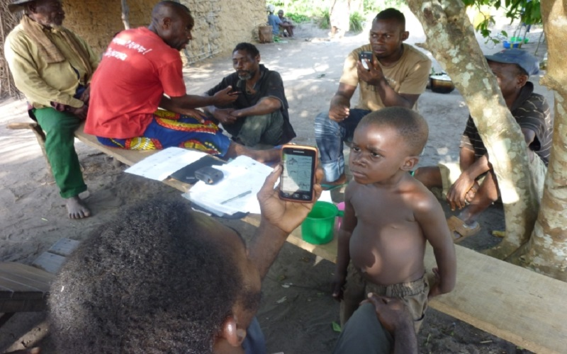 Using mobile devices in the Congo