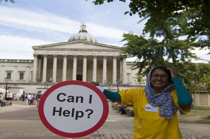 Student helper in UCL Main Quad