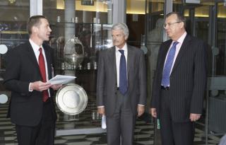 HE Yuri Viktorovich Fedotov unveils the Pares Silver…