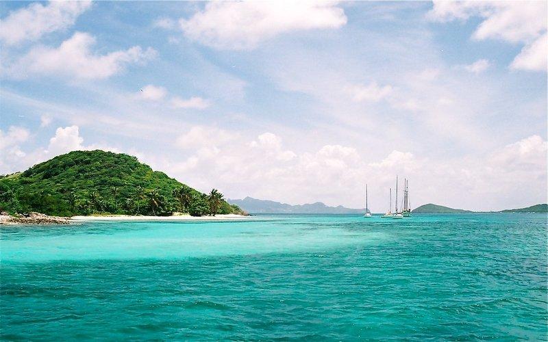 A Caribbean bay