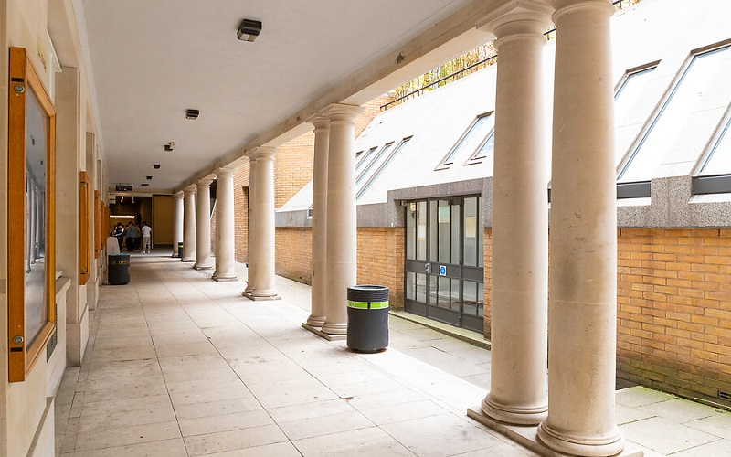 Accessible path with columns on the UCL campus