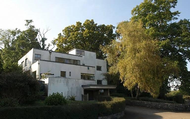 Dartington modernism, credit: Derek Harper (licensed for reuse under CC BY-SA 2.0)