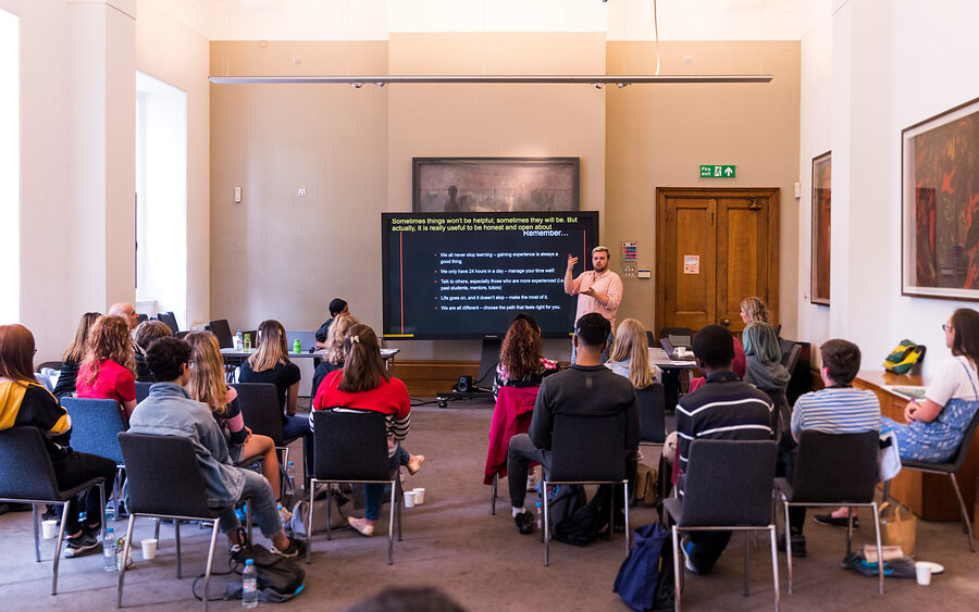 Supporting your young D/deaf person's journey to university